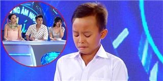 Thí sinh nhí hát đám cưới phụ giúp mẹ khiến Tóc Tiên rơi nước mắt