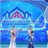 Ngán ngẩm với câu trả lời ứng xử không liên quan của tân Hoa hậu Biển 2016