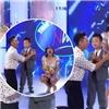 Văn Mai Hương vô tình  lộ hàng  trên sóng truyền hình vì quá khích