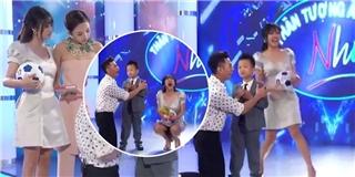 Văn Mai Hương vô tình lộ hàng