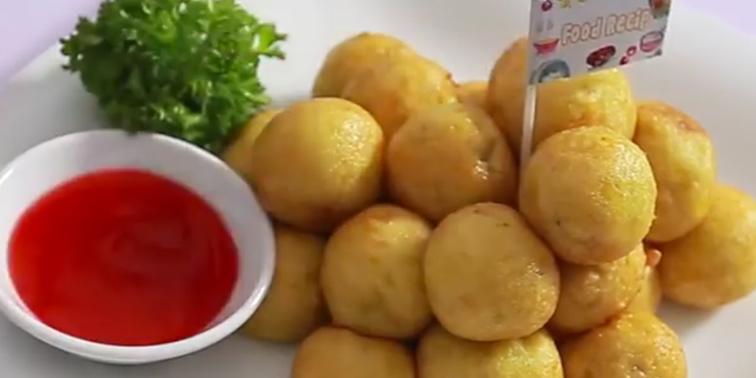 Bánh khoai lang viên chiên kiểu Thái giòn thơm ngây ngất
