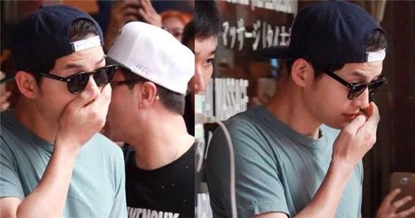 Song Joong Ki hoang mang vì bị bắt gặp đi xông hơi ở Thái Lan