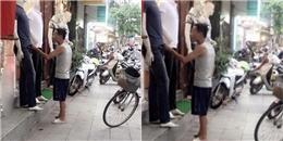 Hành động của cha già trước cửa hàng quần áo làm nhiều người rơi lệ