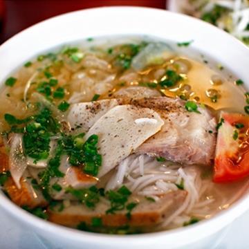 Bộ đôi bún cá - bún sứa 'nao lòng' du khách Nha Trang