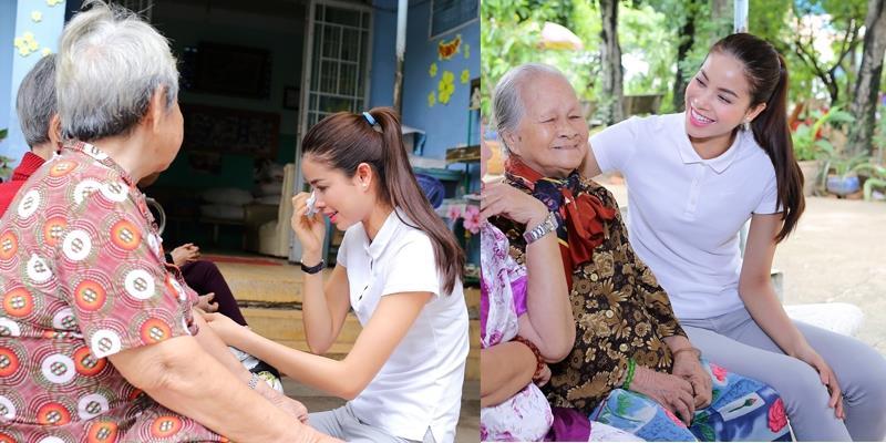 Phạm Hương liên tục rơi nước mắt khi đến thăm những nghệ sĩ neo đơn