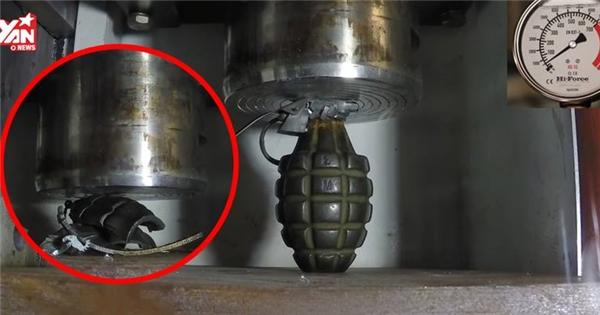 Điều gì sẽ xảy ra khi ta để 1 quả lựu đạn dưới máy nén 4,2 tấn