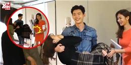 """Hé lộ hậu trường Two Worlds khiến fan """"chết ngất"""" của Lee Jong Suk"""