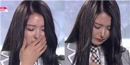 Khóc trên truyền hình, thần tượng Kpop bóp mũi và cái kết không ngờ