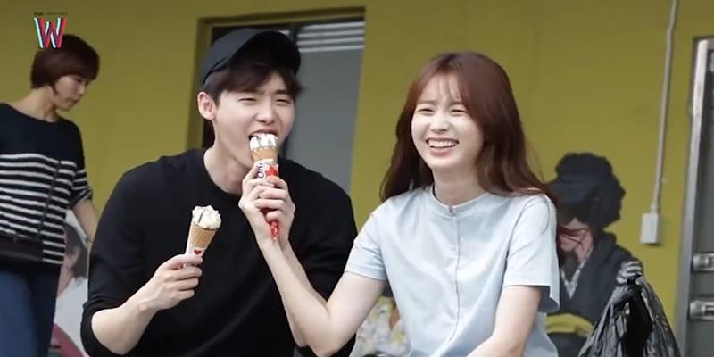 """""""W - Two Worlds"""" tung hậu trường ăn kem quá đáng yêu"""