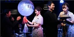 yan.vn - tin sao, ngôi sao - Bích Phương bối rối vì được Hoài Lâm chúc mừng tuổi mới trên sân khấu