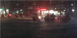 Mưa lớn kéo dài, Sài Gòn ngập nặng trong giờ tan tầm