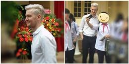 """""""Tim loạn nhịp"""" với thầy giáo Tây xuất hiện tại lễ khai giảng ở Hà Nội"""