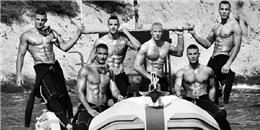 'Bỏng mắt' với bộ lịch của những chàng lính cứu hỏa Pháp sáu múi