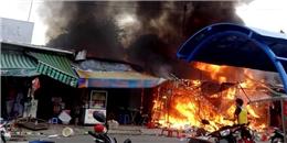 Cháy lớn chợ đêm làng Đại học TP.HCM gây thiệt hại nặng