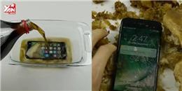 Ngâm iPhone 7 trong nước ngọt 17 tiếng và nhận kết quả bất ngờ!