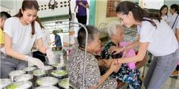 yan.vn - tin sao, ngôi sao - Phạm Hương xúc động khi đến thăm các cụ già tại trại phong Bến Sắn