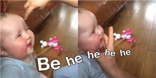 Em bé có giọng cười như dê kêu khiến dân tình  đổ gục