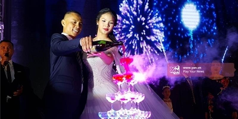 Full clip đám cưới Chí Anh và vợ kém 20 tuổi Vũ Khánh Linh