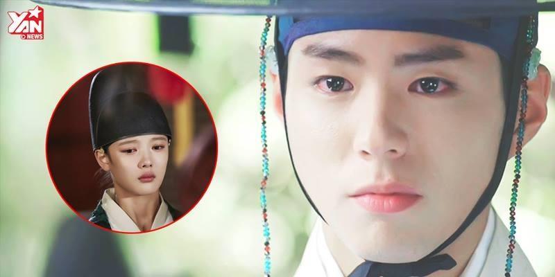 Thế tử Lee bất chấp ngăn cản để thái giám Hong bên cạnh