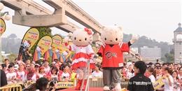 Giới trẻ Châu Á hào hứng chạy bộ cùng Hello Kitty