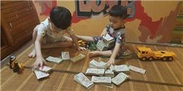 Phát sốt với hai nhóc tì đếm tiền lẻ gửi MC Phan Anh làm từ thiện