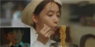 Chỉ cần ngắm Yoona ăn mì tôm, Ji Chang Wook đã cười tít mắt