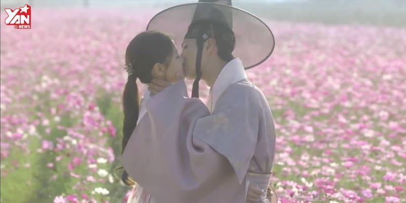 Nụ hôn giữa cánh đồng hoa, cái kết viên mãn cho cặp đôi Mây họa
