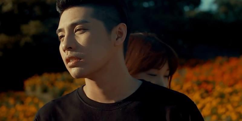 Noo dắt bạn gái ngắm cảnh Nhật Bản bằng trực thăng trong MV mới