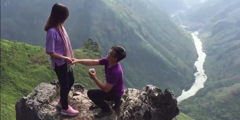 Chàng trai vượt hơn 2.000km để cầu hôn tại một địa điểm đẹp như mơ