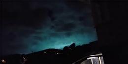 """Ánh sáng xanh bí ẩn """"xé rách"""" màn đêm trong cơn động đất ở New Zealand"""