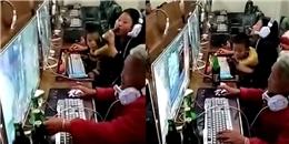 Dân mạng té ngửa với hình ảnh bà và mẹ bế cháu đi chơi 'game online'