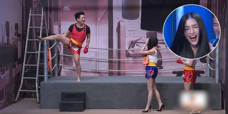 """Trường Giang cầu hôn và ép Mai Hồ cover """"Anh cứ đi đi"""" trên sân khấu"""