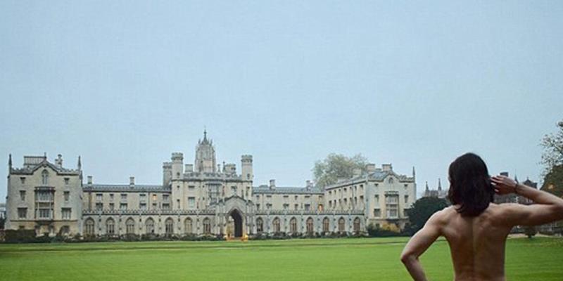"""Bỏng mắt với cuộc thi """"show hàng khủng"""" của Đại học Cambridge"""