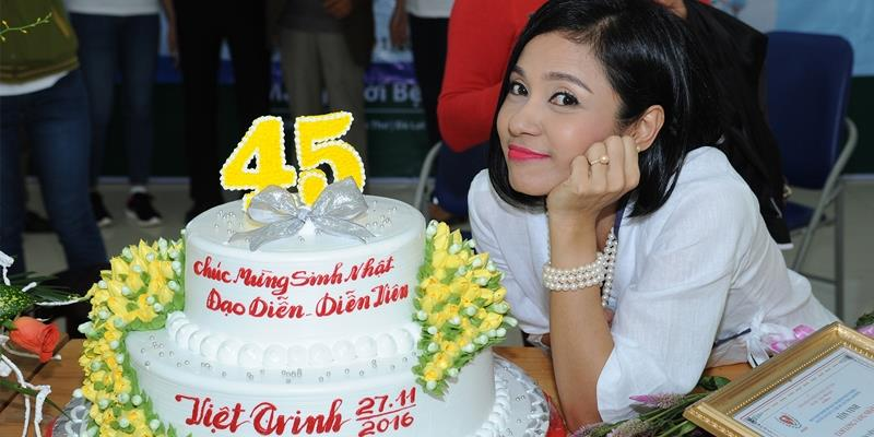 yan.vn - tin sao, ngôi sao - Cảm động trước hành động ý nghĩa của Việt Trinh trong ngày sinh nhật
