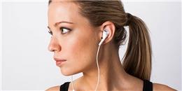 Việc đeo tai nghe quá lâu có thể làm hại bạn bất cứ lúc nào