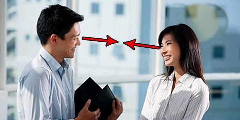 Giao tiếp bằng mắt giúp bạn thành công hơn ?