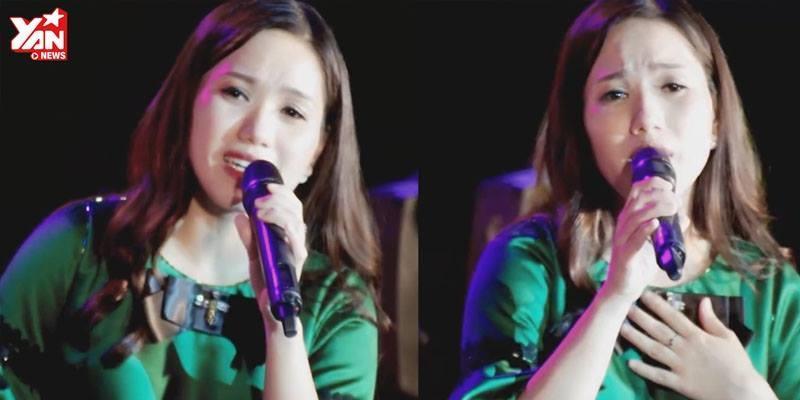 """Thùy Chi tiếp tục đốn tim khán giả khi hát live """"Mưa trên phố bay xa"""""""