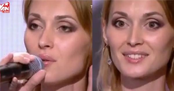 Nghi hát nhép, giám khảo cắt ngang và bất ngờ với giọng hát của thí sinh