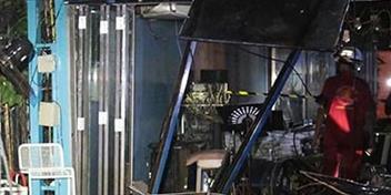 Sập mái nhà hàng bằng kính, 10 thực khách bị thương