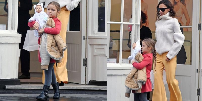 Harper thắt bím cực yêu, sành điệu đi mua sắm cùng mẹ Victoria