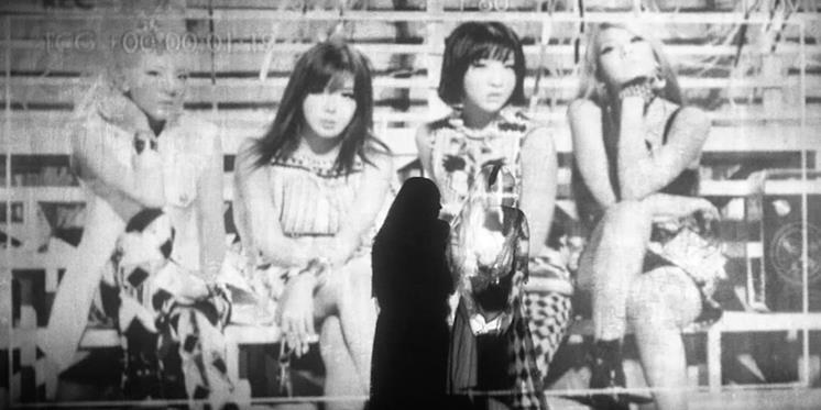 """Xúc động nói về ca khúc cuối cùng, 2NE1 bị chê """"diễn sâu"""""""