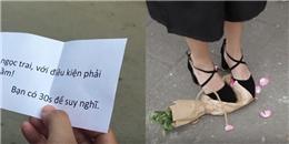 Bất ngờ hành động của các cô gái khi phải chọn ngọc trai hay hoa hồng