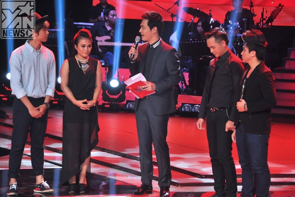4 thí sinh phải thi sing - off của đội HLV Quốc Trung và HLV Hồng Nhung