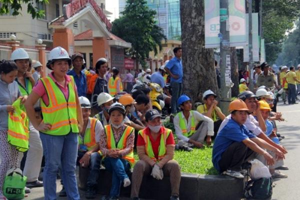 Khách sạn 5 sao mới toanh bất ngờ cháy giữa Sài Gòn