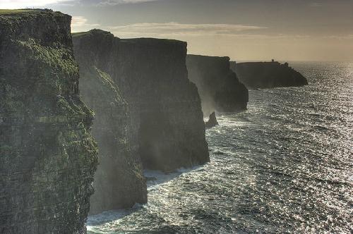 Mê hoặc những vách đá độc đáo nhất thế giới