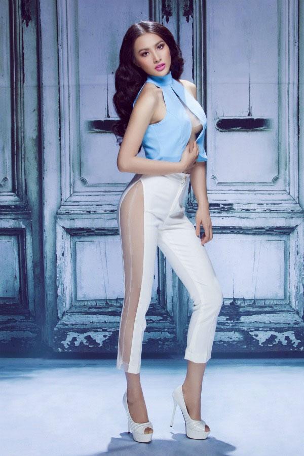 Trương Nhi gợi cảm trong trang phục cắt xẻ táo bạo - Tin sao Viet - Tin tuc sao Viet - Scandal sao Viet - Tin tuc cua Sao - Tin cua Sao