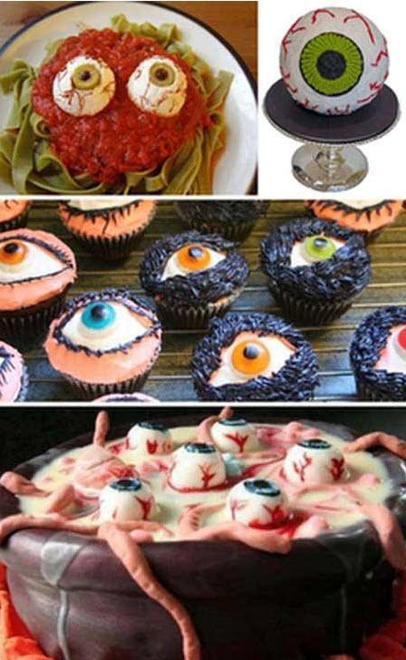 Tham dự tiệt buffet với những món ăn được trang trí dành riêng cho ngày Halloween mà chỉ những người can đảm lắm mới dám ăn.