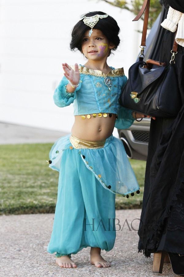 Và Honor Marie Warren với hình tượng công chúa Jasmine của Alladin.