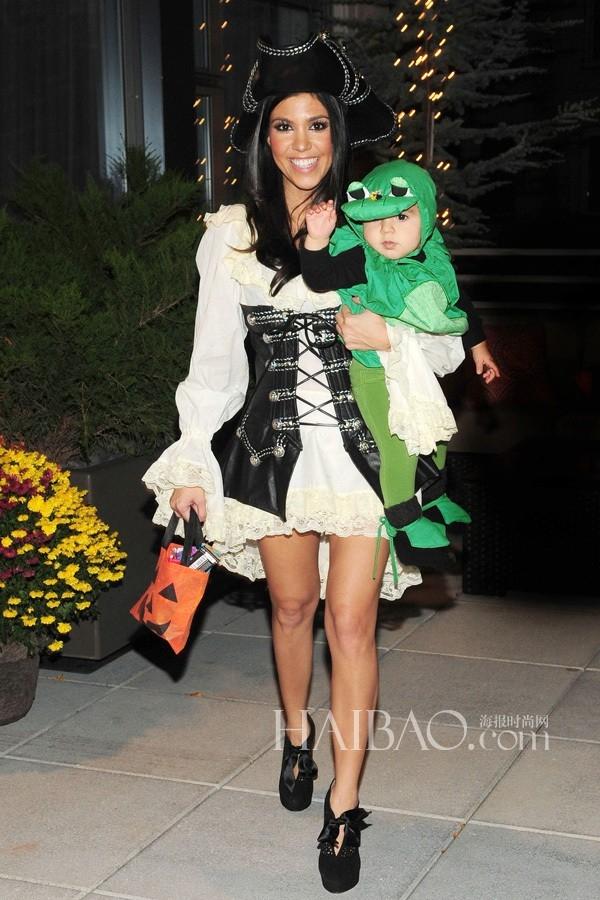 Kourtney Kardashian và cậu con trai Mason Disick
