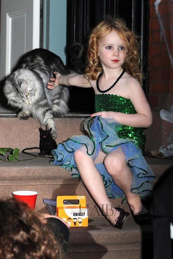 Cô con gái Rowan của Brook Shields đáng yêu như một nàng công chúa.